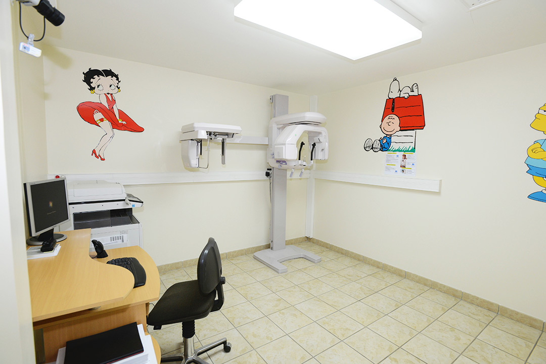 Photo de la salle de radio du cabinet d'orthodontie du Docteur MOTTO